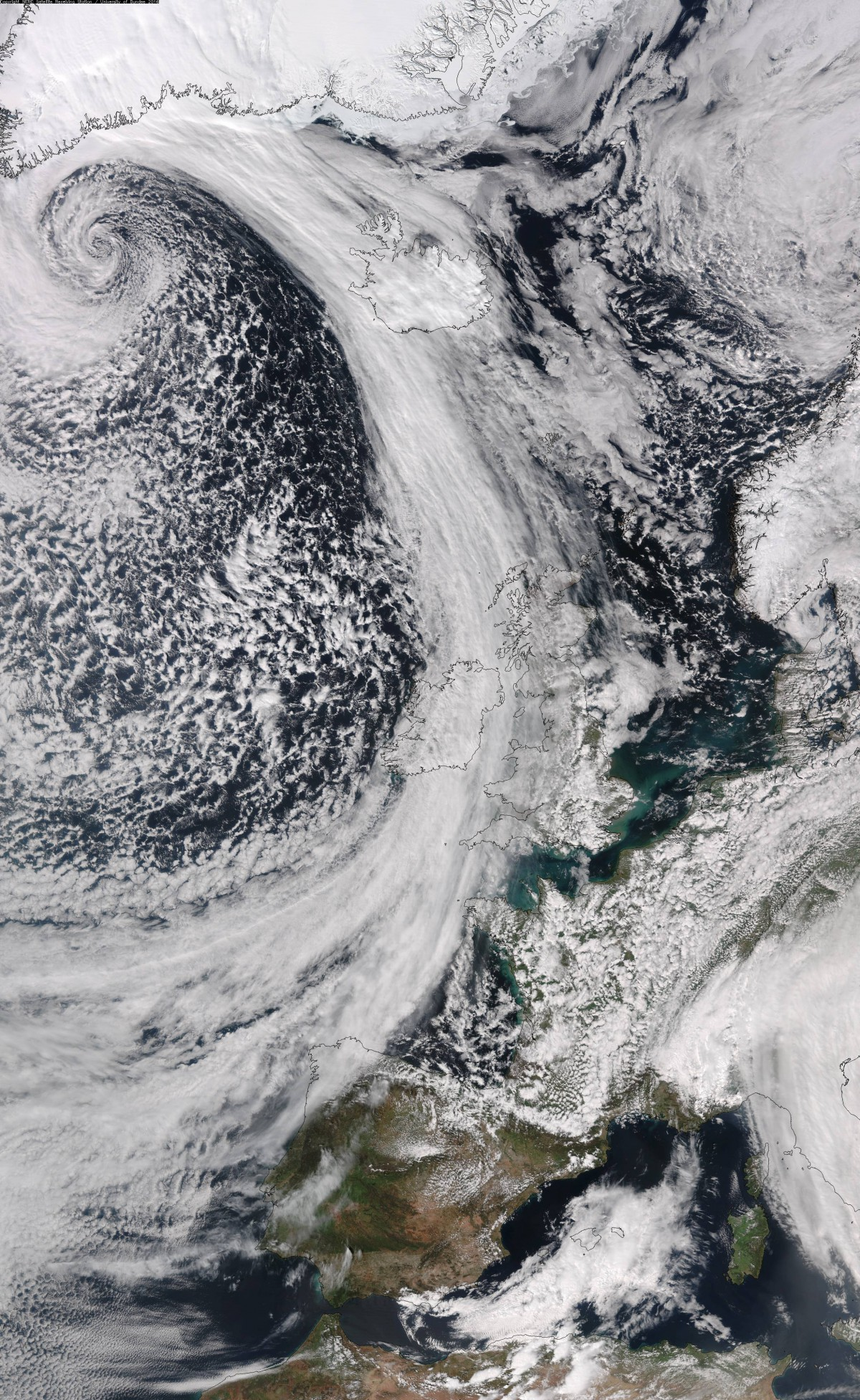spiral low near Greenland, 8 Apr 16